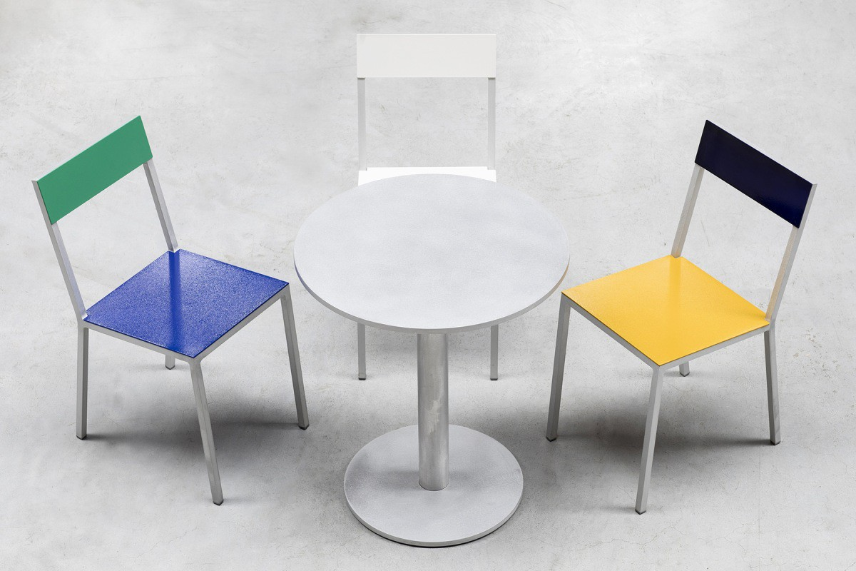 Alu chair dark-blue-green par Hannes Van Severen et Fien Muller