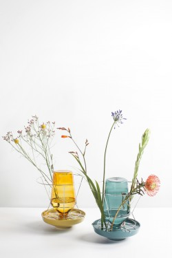 hidden vase large amber Chris Kabel