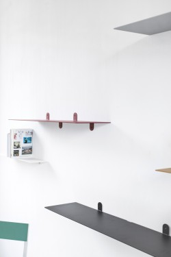 SCHAP N°4 MVS BENDED STEEL 4MM - 198X25X12 ROOD GELAKT Muller Van Severen