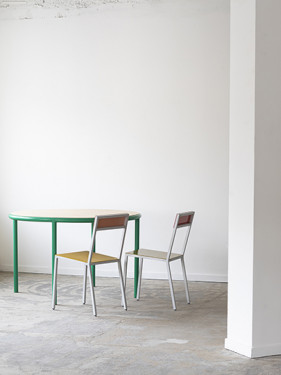 WOODEN TABLE ROUND GREEN / BIRCH Muller Van Severen