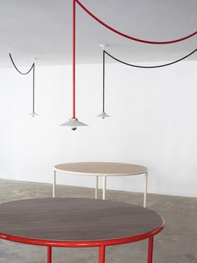 WOODEN TABLE ROUND RED / WALNUT Muller Van Severen