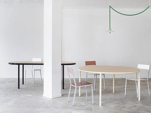 WOODEN TABLE ROUND IVORY / OAK Muller Van Severen