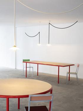 WOODEN TABLE OVAL RED / OAK Muller Van Severen