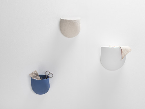 DUCT wall holder - Porcelain wall holder cobalt blue Destroyers Builders