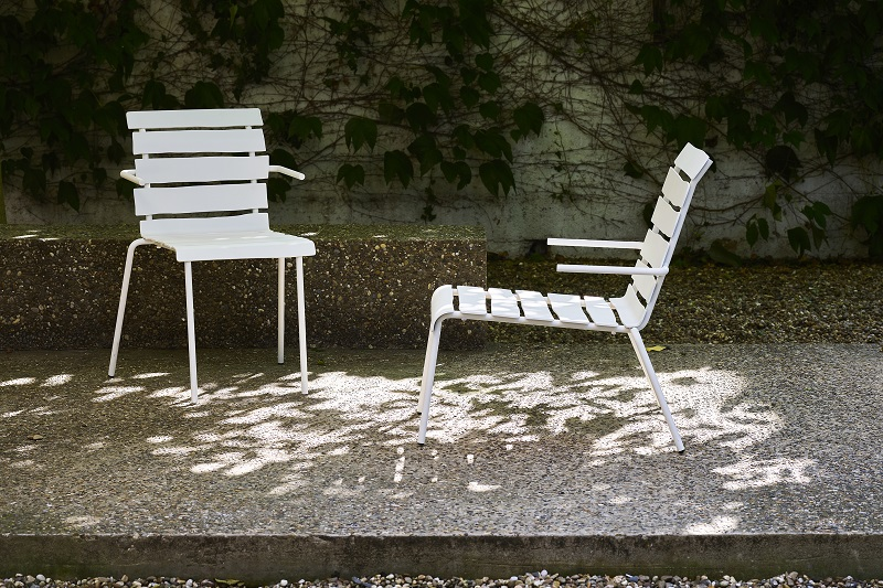 lounge chair and dining chair for outdoors